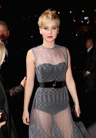 Jennifer Lawrence robe transparente