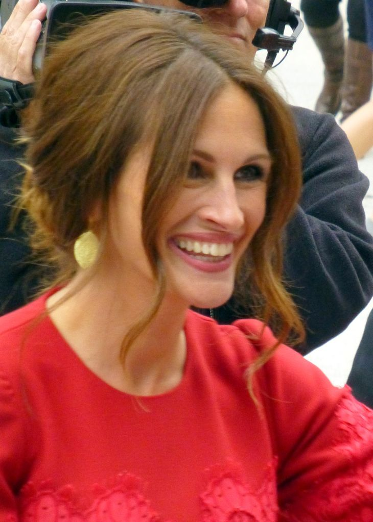 Julia Roberts taille | By GabboT (August 01) [CC BY-SA 2.0 (https://creativecommons.org/licenses/by-sa/2.0)], via Wikimedia Commons