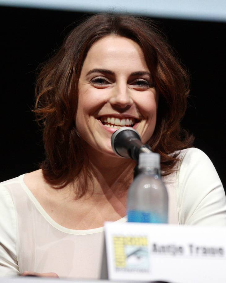 Antje Traue measurements |