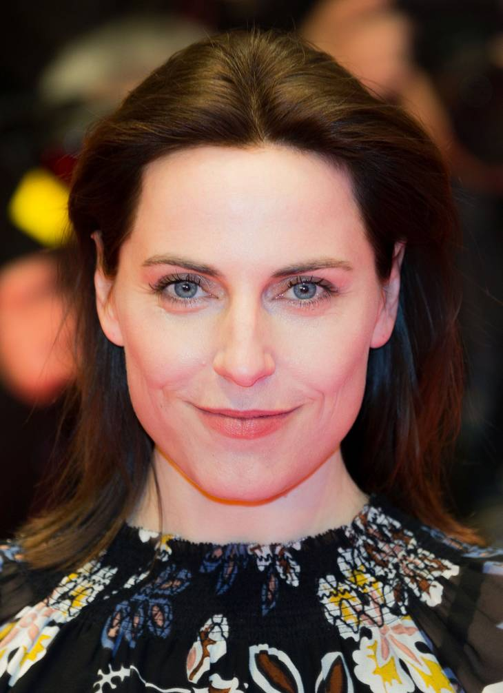 Antje Traue taille |