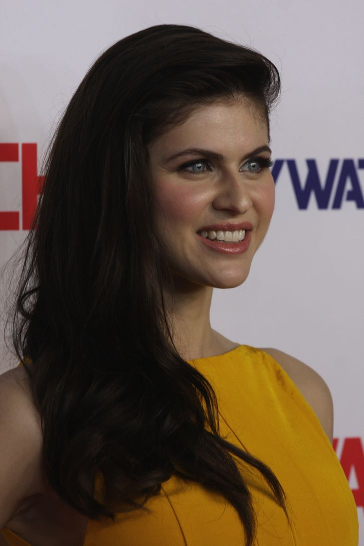 Alexandra Daddario größe | By Eva Rinaldi (Alexandra Daddario Eva Rinaldi Photography (1)) [CC BY-SA 2.0 (https://creativecommons.org/licenses/by-sa/2.0)], via Wikimedia Commons