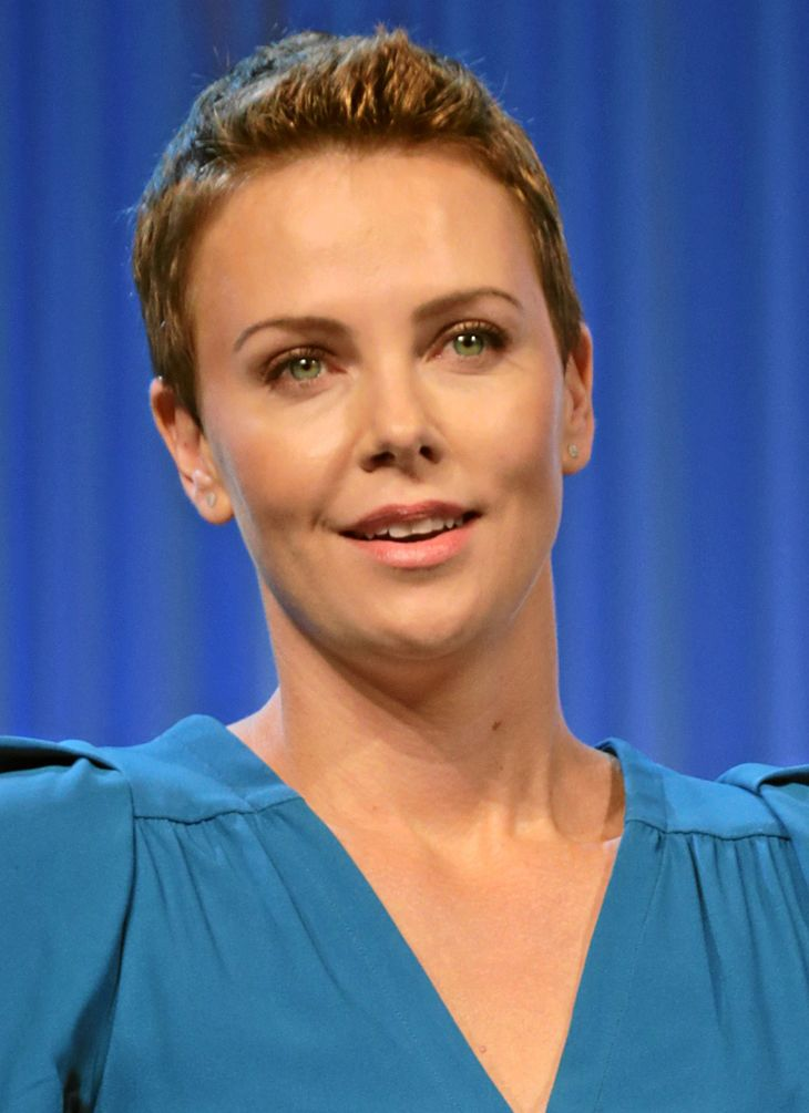 Charlize Theron'ın ölçümleri | By World Economic Forum (Charlize Theron) [CC BY-SA 2.0 (https://creativecommons.org/licenses/by-sa/2.0)], via Wikimedia Commons