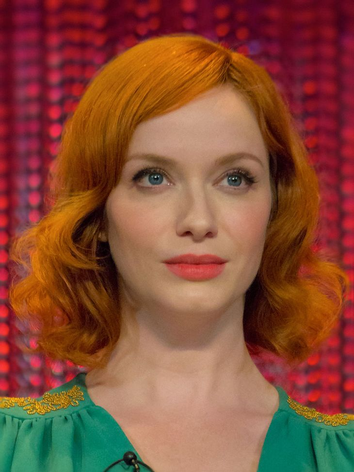 Christina Hendricks height | By Dominick D [CC BY-SA 2.0 (https://creativecommons.org/licenses/by-sa/2.0)], via Wikimedia Commons