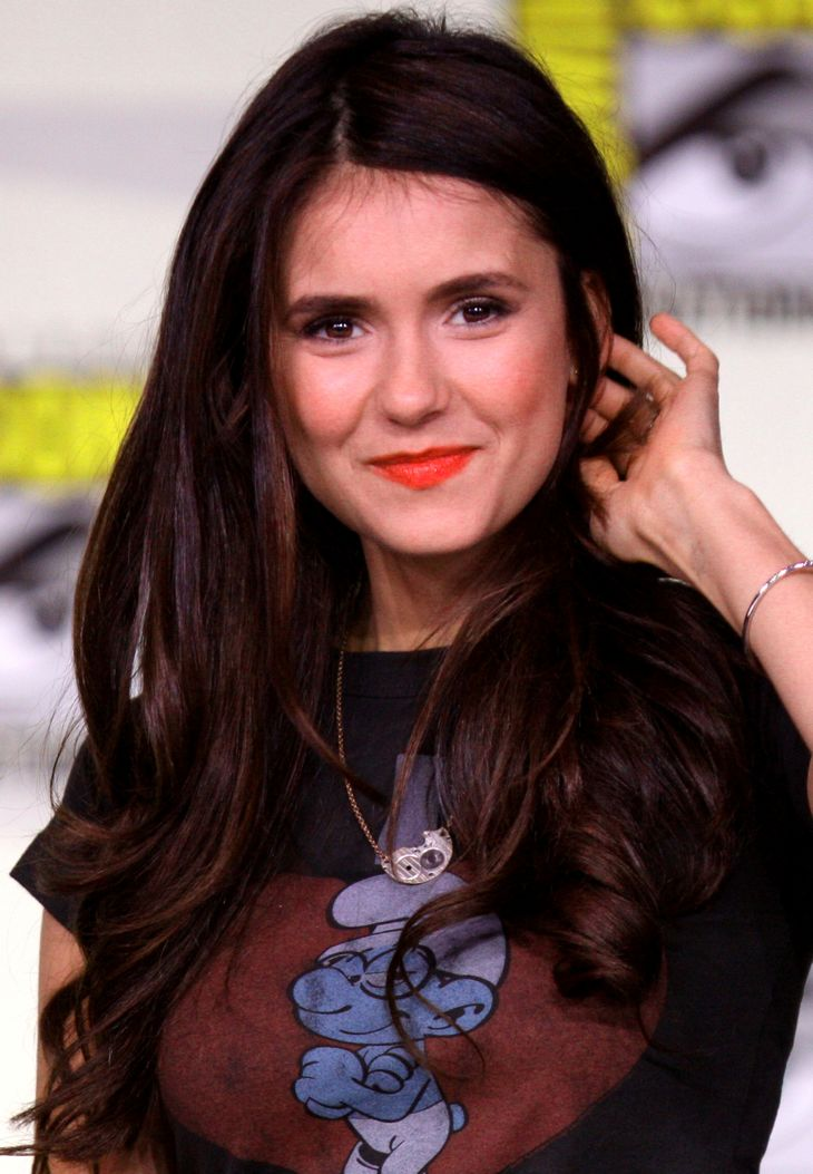 age de nina dobrev dating
