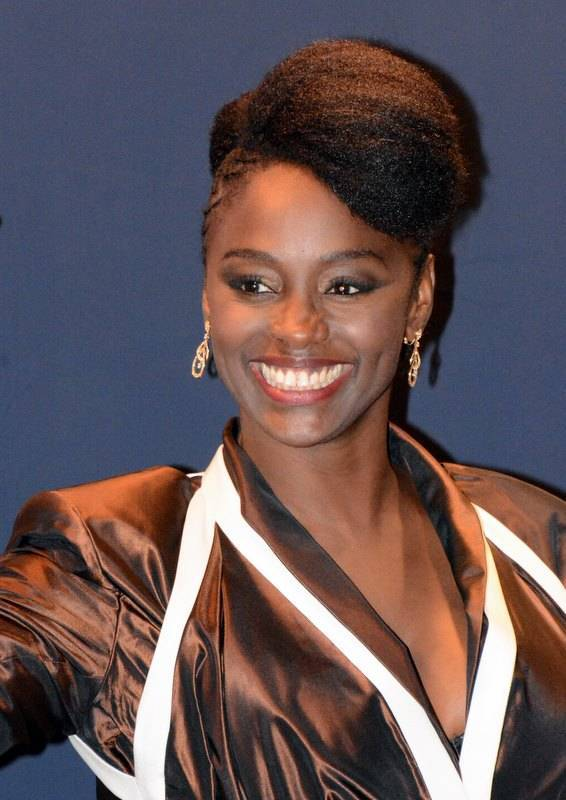 Aïssa Maïga taille   Georges Biard [CC BY-SA 3.0 (https://creativecommons.org/licenses/by-sa/3.0)], via Wikimedia Commons