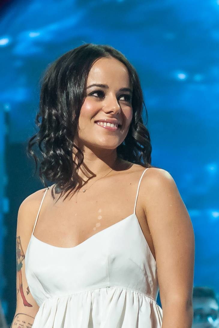 How Old Is Alizee His Height His Weight