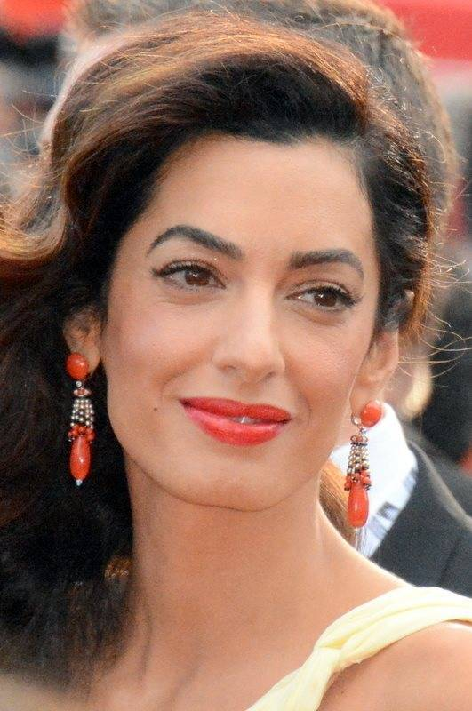 Amal Alamuddin サイズ | Georges Biard [CC BY-SA 3.0 (https://creativecommons.org/licenses/by-sa/3.0)], via Wikimedia Commons