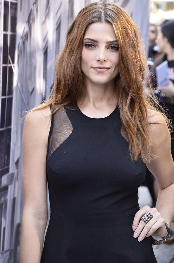 Ashley Greene taille | By Christopher Macsurak (Ashley Greene) [CC BY 2.0 (http://creativecommons.org/licenses/by/2.0)], via Wikimedia Commons