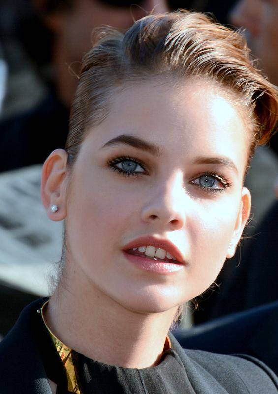 Barbara Palvin taille | Georges Biard [CC BY-SA 3.0 (https://creativecommons.org/licenses/by-sa/3.0)], via Wikimedia Commons