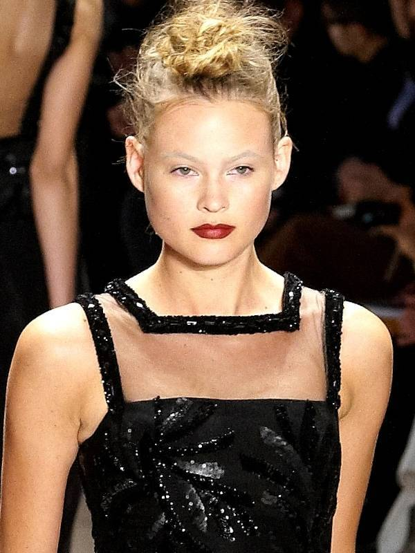 Behati Prinsloo taille | By https://www.flickr.com/photos/33530571@N02/ [CC BY 2.0 (http://creativecommons.org/licenses/by/2.0)], via Wikimedia Commons