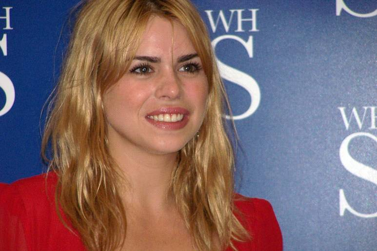 Billie Piper poids | By Rach (Flickr: Billie Piper) [CC BY 2.0 (http://creativecommons.org/licenses/by/2.0)], via Wikimedia Commons