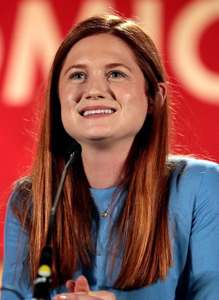 Bonnie Wright taille | Gage Skidmore [CC BY-SA 3.0 (https://creativecommons.org/licenses/by-sa/3.0)], via Wikimedia Commons