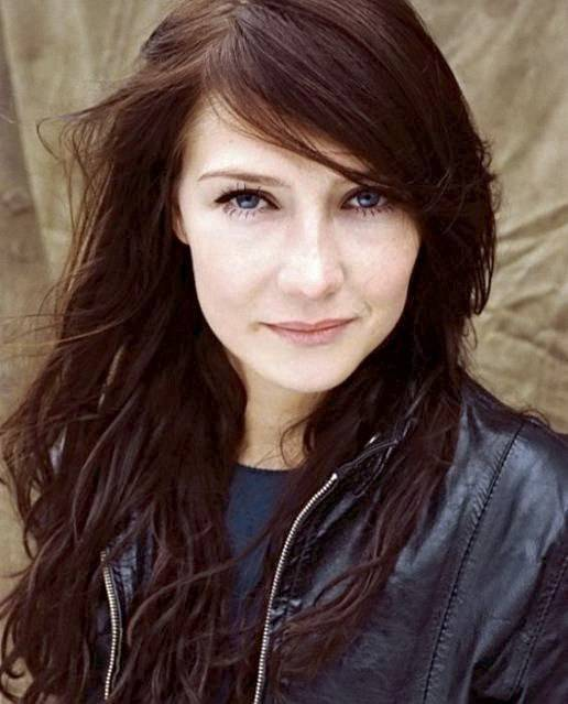 Carice van Houten taille | By Thom Hoffman / nummer19 (nummer19) [CC BY 3.0 (http://creativecommons.org/licenses/by/3.0) or GFDL (http://www.gnu.org/copyleft/fdl.html)], via Wikimedia Commons