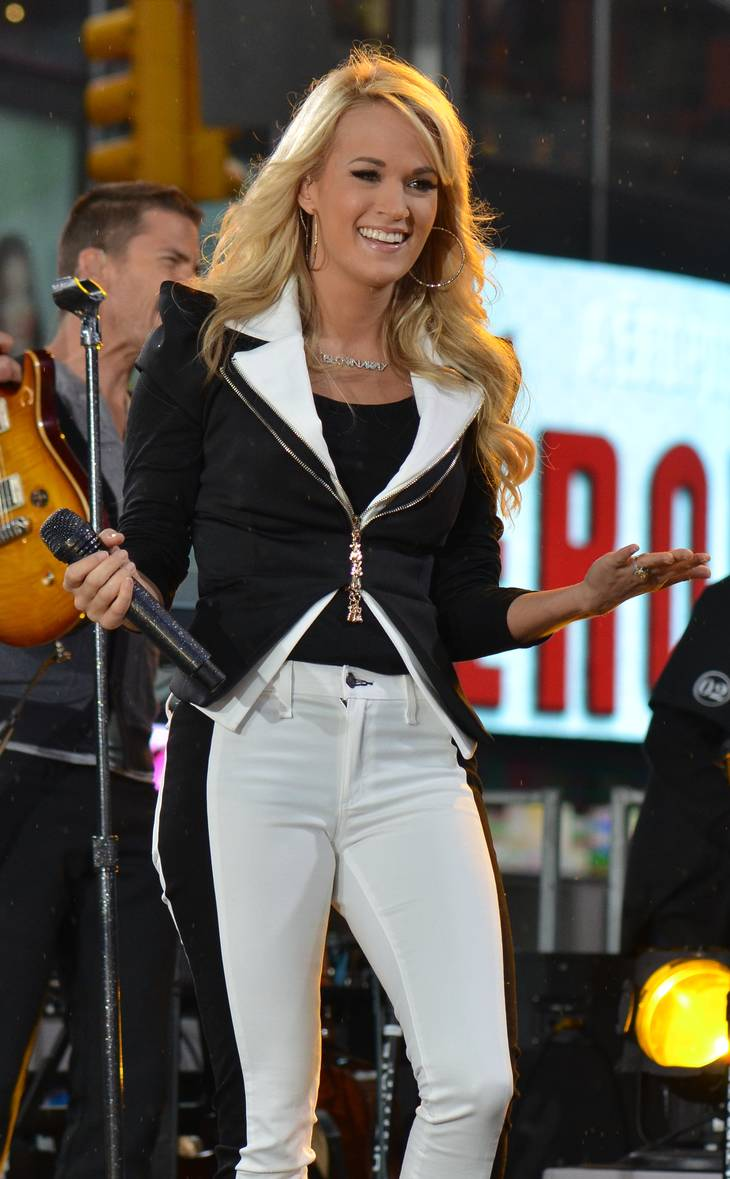 Carrie Underwood misure | dephisticate [CC BY 2.0 (http://creativecommons.org/licenses/by/2.0)], via Wikimedia Commons