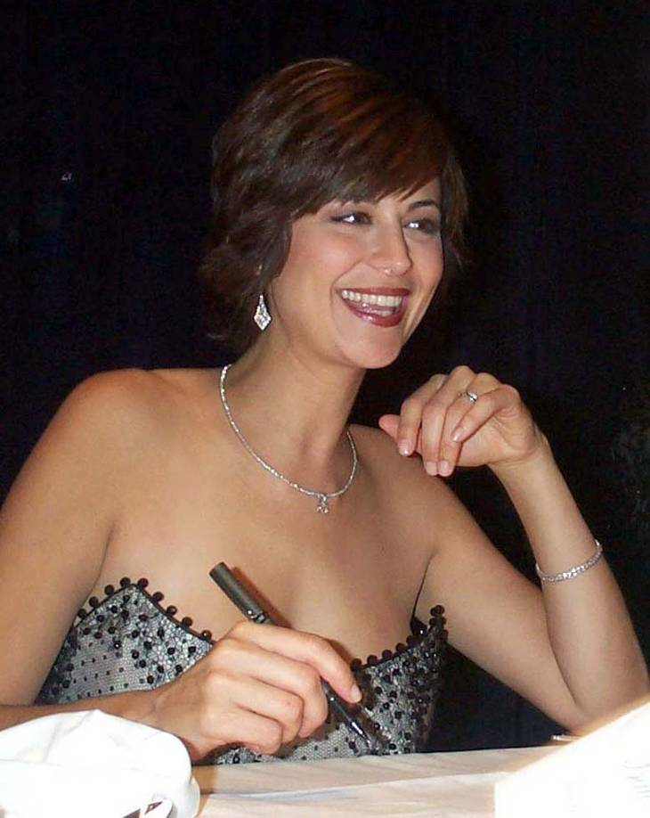 Catherine Bell taille | By Linda D. Kozaryn (United States Department of Defense) [Public domain], via Wikimedia Commons