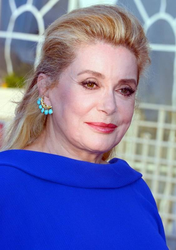 Catherine Deneuve taille | Georges Biard [CC BY-SA 3.0 (https://creativecommons.org/licenses/by-sa/3.0)], via Wikimedia Commons