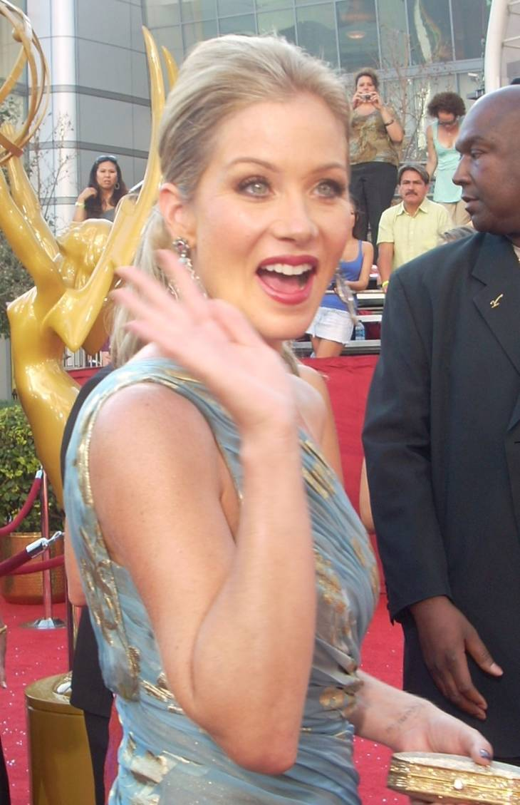 Christina Applegate taille | By watchwithkristin [CC BY-SA 2.0 (https://creativecommons.org/licenses/by-sa/2.0)], via Wikimedia Commons