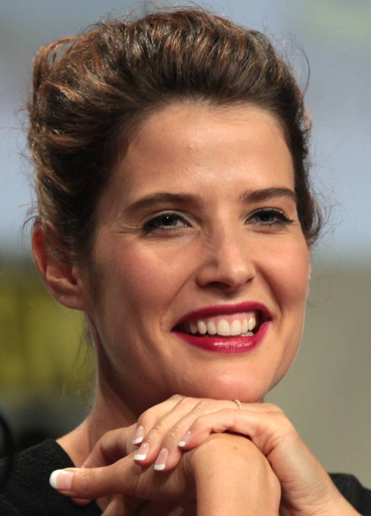 Cobie Smulders nue | By Gage Skidmore [CC BY 2.0 (http://creativecommons.org/licenses/by/2.0)], via Wikimedia Commons