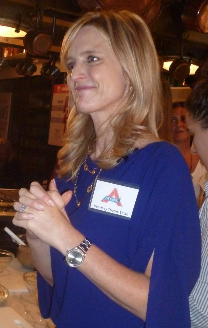 Courtney Thorne Smith taille | By Anne M. Raso (anne861) (Cropped from this image on Flickr.) [CC BY-SA 2.0 (https://creativecommons.org/licenses/by-sa/2.0)], via Wikimedia Commons