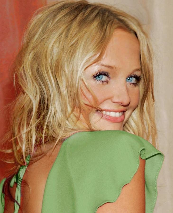 Emma Bunton peso | By Anna Victoria Studios (Own work) [CC BY-SA 4.0 (https://creativecommons.org/licenses/by-sa/4.0)], via Wikimedia Commons
