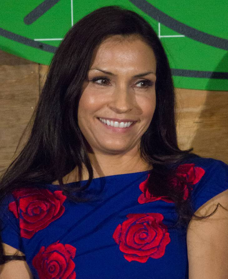 Famke Janssen Größe   By Dominick D [CC BY-SA 2.0 (https://creativecommons.org/licenses/by-sa/2.0)], via Wikimedia Commons