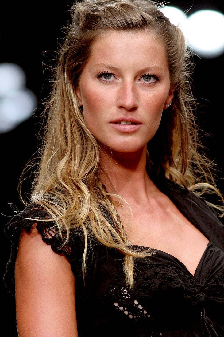 Gisele Bundchen measurements | By Tiago Chediak (https://www.flickr.com/photos/tiagochediak/) [CC BY 2.0 (http://creativecommons.org/licenses/by/2.0)], via Wikimedia Commons