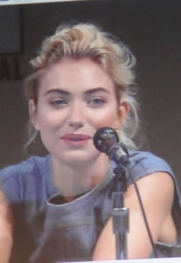 Imogen Poots peso | By Pop Culture Geek (PopCultureGeek.com) (Flickr) [CC BY 2.0 (http://creativecommons.org/licenses/by/2.0)], via Wikimedia Commons
