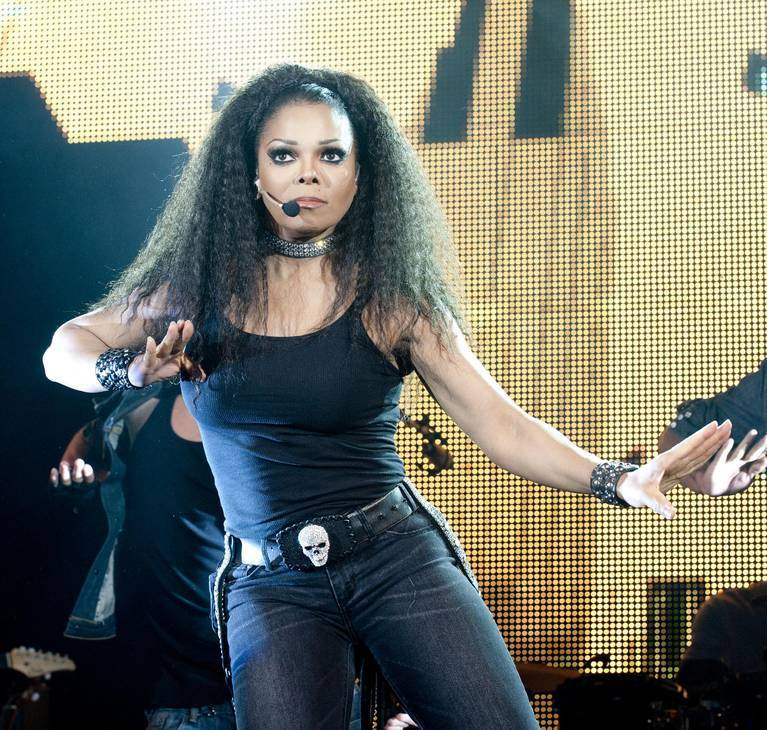 Janet Jackson taille | By J0 anna from Vancouver, Canada [CC BY-SA 2.0 (https://creativecommons.org/licenses/by-sa/2.0)], via Wikimedia Commons