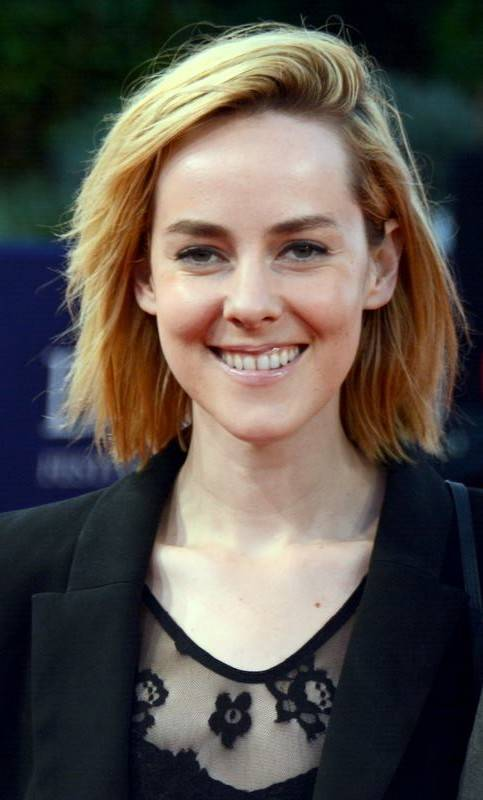 Jena Malone taille | Georges Biard [CC BY-SA 3.0 (https://creativecommons.org/licenses/by-sa/3.0)], via Wikimedia Commons