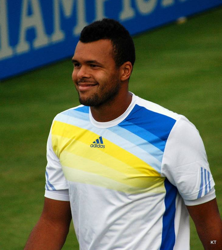 Jo-Wilfried Tsonga taille | By Carine06 from UK (Jo-Wilfried Tsonga  Uploaded by Flickrworker) [CC BY-SA 2.0 (https://creativecommons.org/licenses/by-sa/2.0)], via Wikimedia Commons