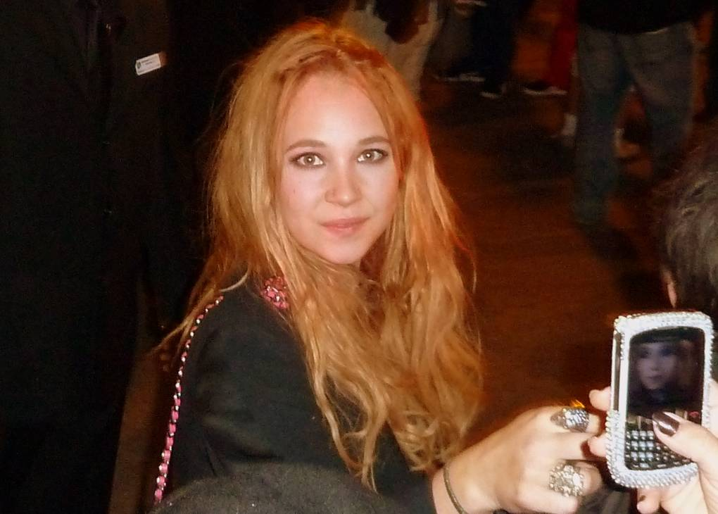 Juno Temple taille | By GabboT (Juno Temple) [CC BY-SA 2.0 (https://creativecommons.org/licenses/by-sa/2.0)], via Wikimedia Commons
