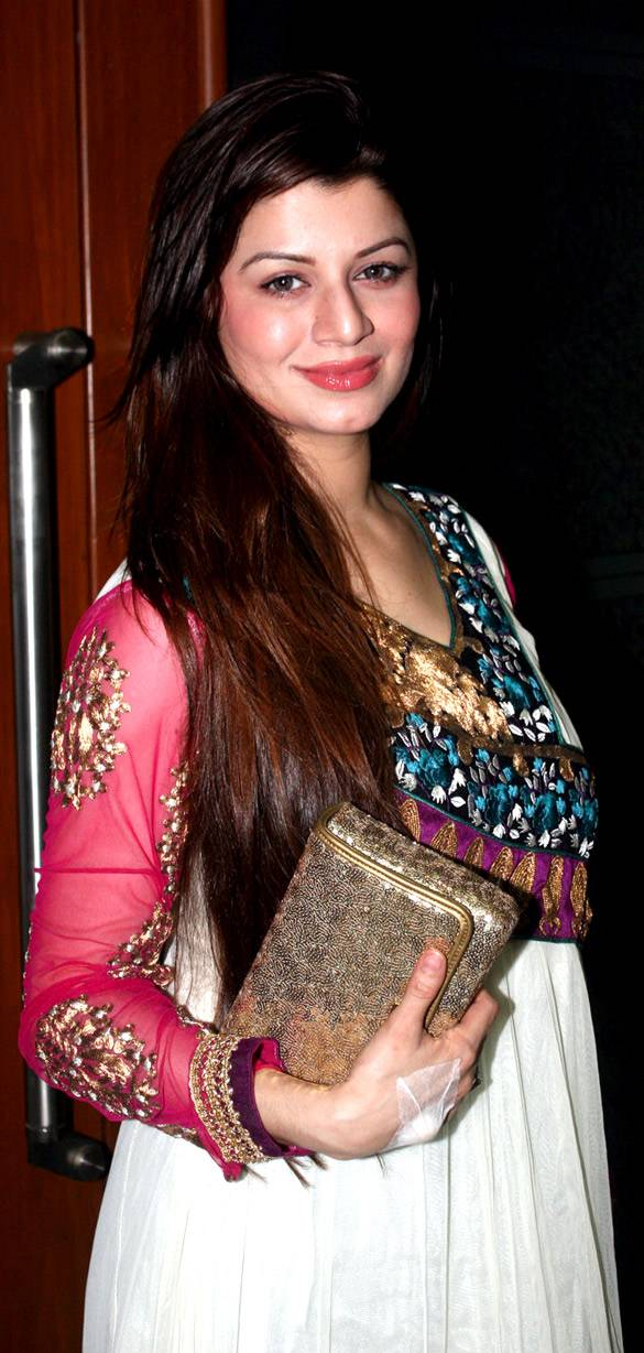 Kainaat Arora taille | By http://www.bollywoodhungama.com [CC BY 3.0 (http://creativecommons.org/licenses/by/3.0)], via Wikimedia Commons