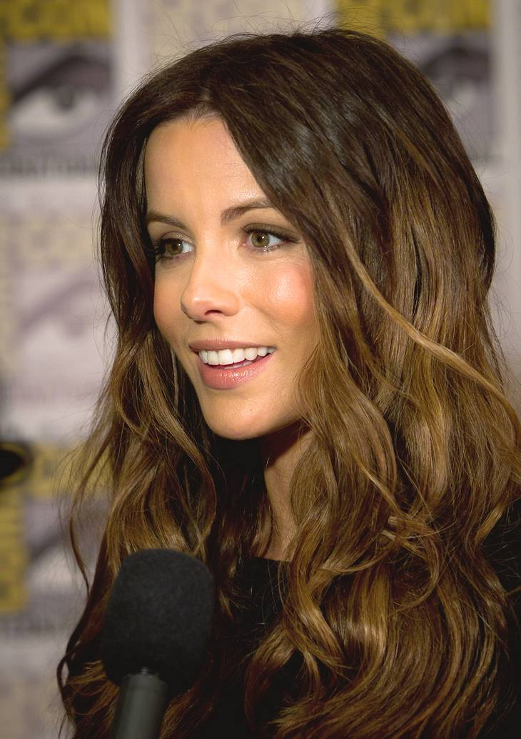Kate Beckinsale taille | By Gerald Geronimo (Uploaded to Flickr as Kate Beckinsale) [CC BY-SA 2.0 (https://creativecommons.org/licenses/by-sa/2.0)], via Wikimedia Commons