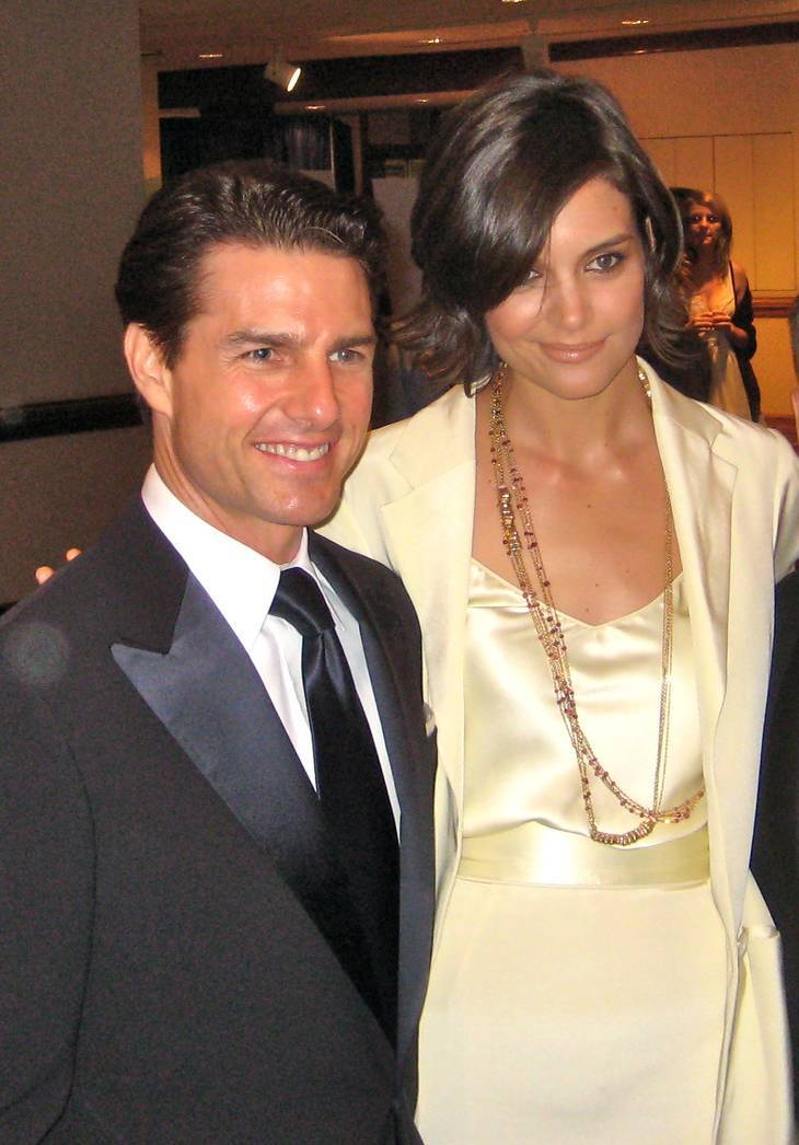 Katie Holmes measurements | By Jay Tamboli from Washington, DC, US (Tom Cruise & Katie Holmes) [CC BY 2.0 (http://creativecommons.org/licenses/by/2.0)], via Wikimedia Commons