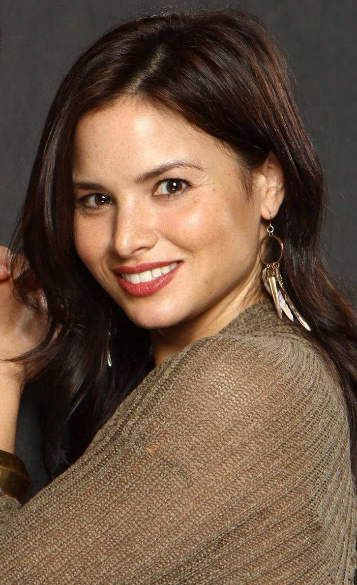 Katrina Law サイズ | By Florida Supercon [CC BY 2.0 (http://creativecommons.org/licenses/by/2.0)], via Wikimedia Commons