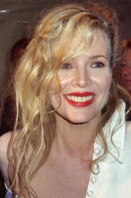 how tall is kim basinger