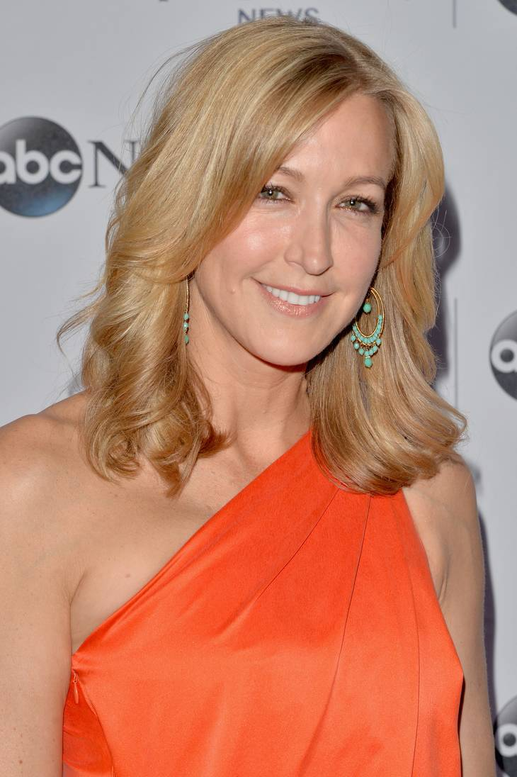 Lara Spencer taille | By Yahoo from Sunnyvale, California, USA (488084571) [CC BY 2.0 (http://creativecommons.org/licenses/by/2.0)], via Wikimedia Commons