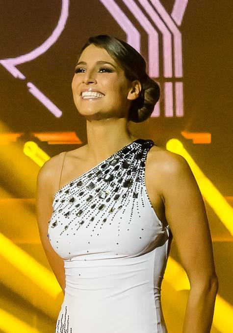 Laury Thilleman taille | Ronny Martin Junnilainen [Attribution or CC BY-SA 3.0 (https://creativecommons.org/licenses/by-sa/3.0)], via Wikimedia Commons
