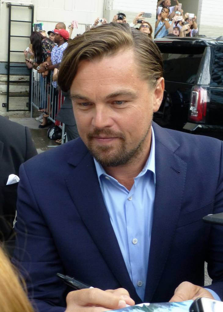 Leonardo DiCaprio peso | By Gabbot [CC BY 2.0 ( https://creativecommons.org/licenses/by-sa/2.0/)], Via Flickr