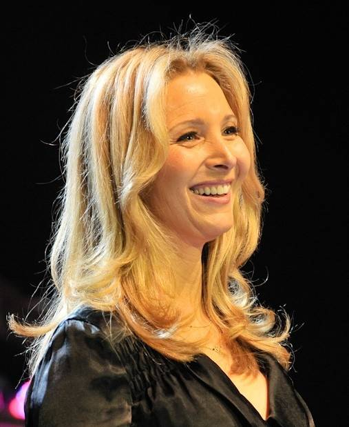 Lisa Kudrow taille | By Lan Bui ([1]) [CC BY-SA 2.0 (https://creativecommons.org/licenses/by-sa/2.0)], via Wikimedia Commons