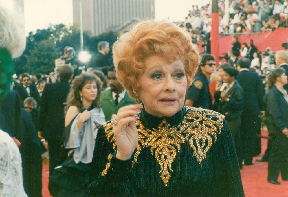 Lucille Ball taille | photo by Alan Light [CC BY 2.0 (http://creativecommons.org/licenses/by/2.0)], via Wikimedia Commons