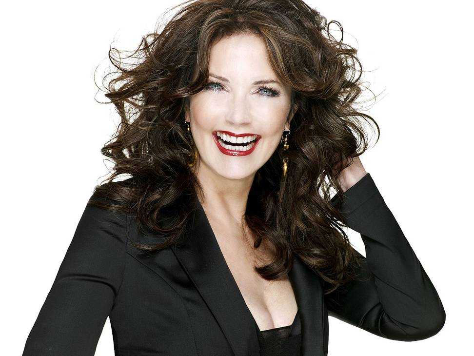 Lynda Carter misure | JS² Communications [CC BY-SA 3.0 (https://creativecommons.org/licenses/by-sa/3.0)], via Wikimedia Commons