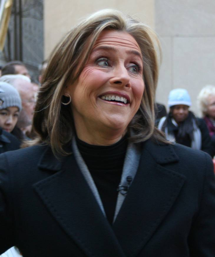 Meredith Vieira taille | By Jakeprzespo [CC BY 2.0 (http://creativecommons.org/licenses/by/2.0)], via Wikimedia Commons