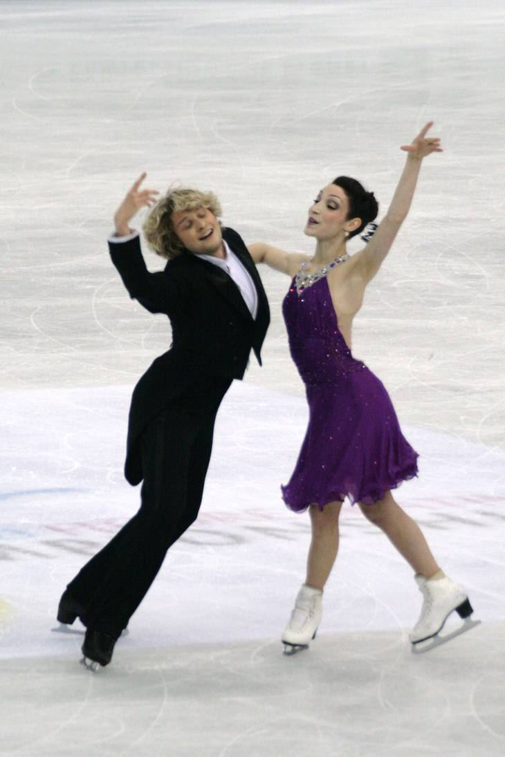Meryl Davis taille   By Luu (Own work) [CC BY-SA 3.0 (https://creativecommons.org/licenses/by-sa/3.0)], via Wikimedia Commons