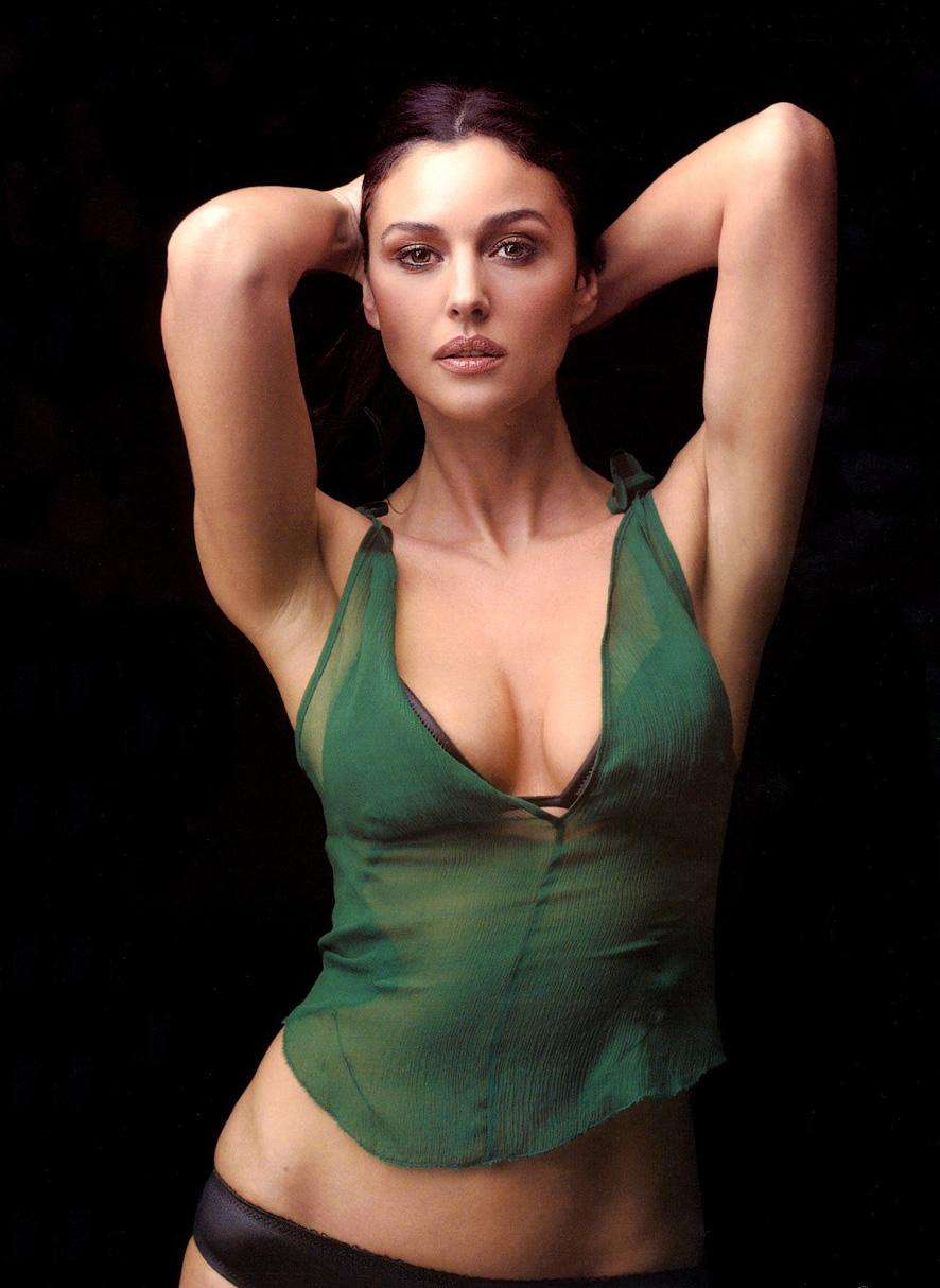 MonicaBellucci mensuration