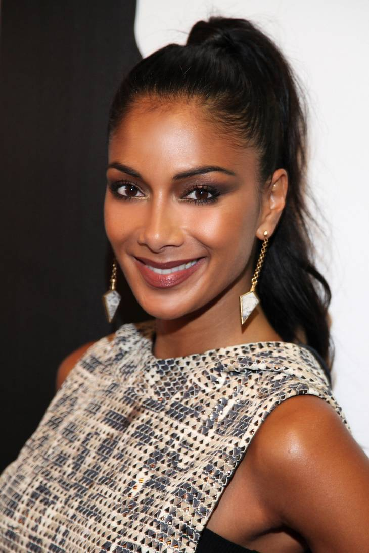 Nicole Scherzinger altura | By Toglenn (Own work) [CC BY-SA 3.0 (https://creativecommons.org/licenses/by-sa/3.0) or GFDL (http://www.gnu.org/copyleft/fdl.html)], via Wikimedia Commons