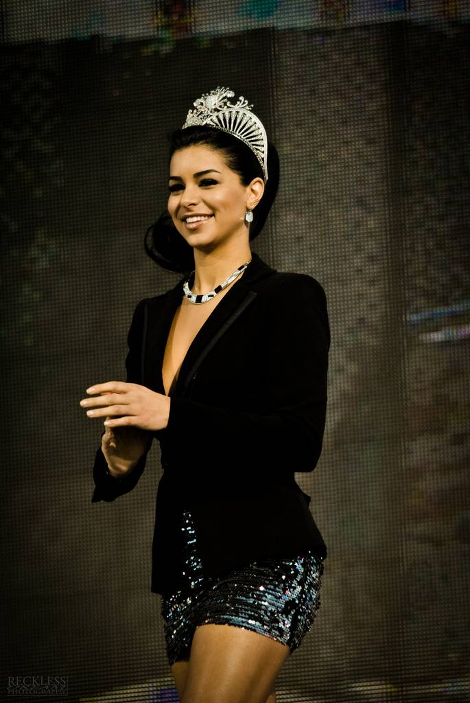 Rima Fakih Tamaño | By Alexander Vaughn (Flickr: Ms USA 9) [CC BY 2.0 (http://creativecommons.org/licenses/by/2.0)], via Wikimedia Commons