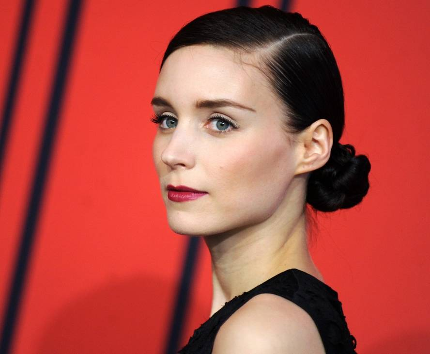 Rooney Mara peso | By Leod23 (Own work) [CC BY-SA 4.0 (https://creativecommons.org/licenses/by-sa/4.0)], via Wikimedia Commons