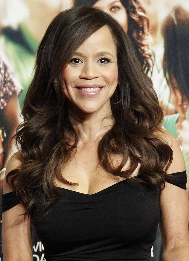 Rosie Perez размер | By Joella Marano from Manhattan, NYC (Rosie Perez) [CC BY-SA 2.0 (https://creativecommons.org/licenses/by-sa/2.0)], via Wikimedia Commons