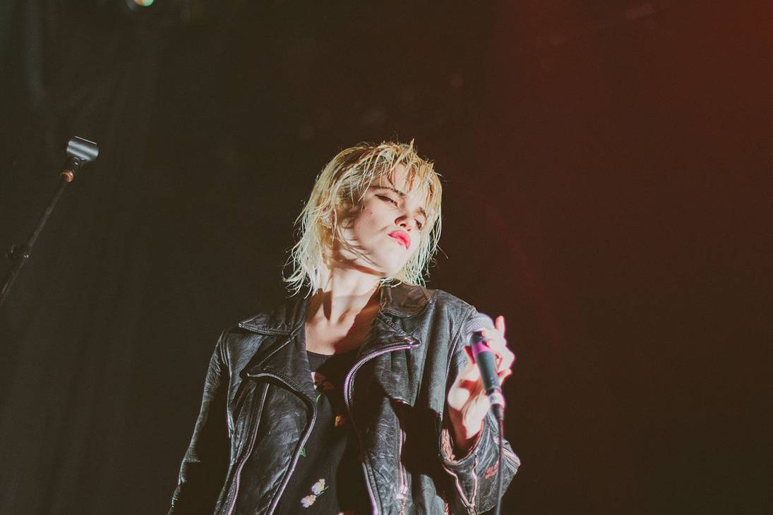 Sky Ferreira mensurations | By Abby Gillardi (Flickr: [1]) [CC BY 2.0 (http://creativecommons.org/licenses/by/2.0)], via Wikimedia Commons